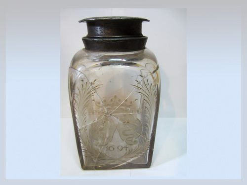 engraved glass bottle 17th century
